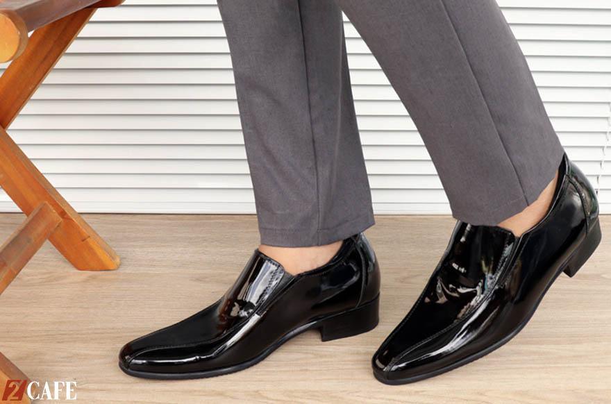 Giày tăng chiều cao cũng lọt top những kiểu giày nam hot nhất nhì hiện nay (Nguồn: Internet)