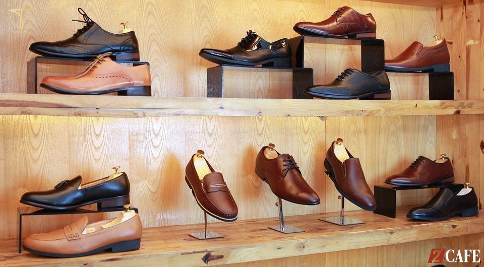 Không gian sang trọng với mẫu mã giày đa dạng (Nguồn: Internet)