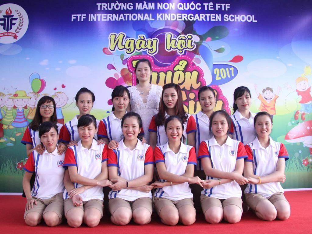 may-dong-phuc-giao-vien-mam-non-phuong thao