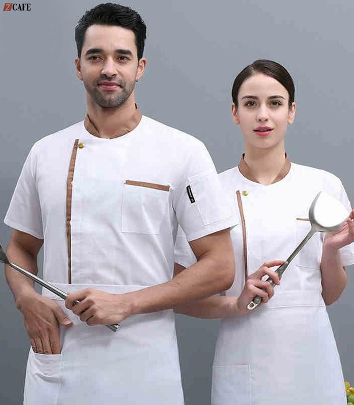 Mẫu đồng phục bếp màu trắng truyền thống (Ảnh: Internet)